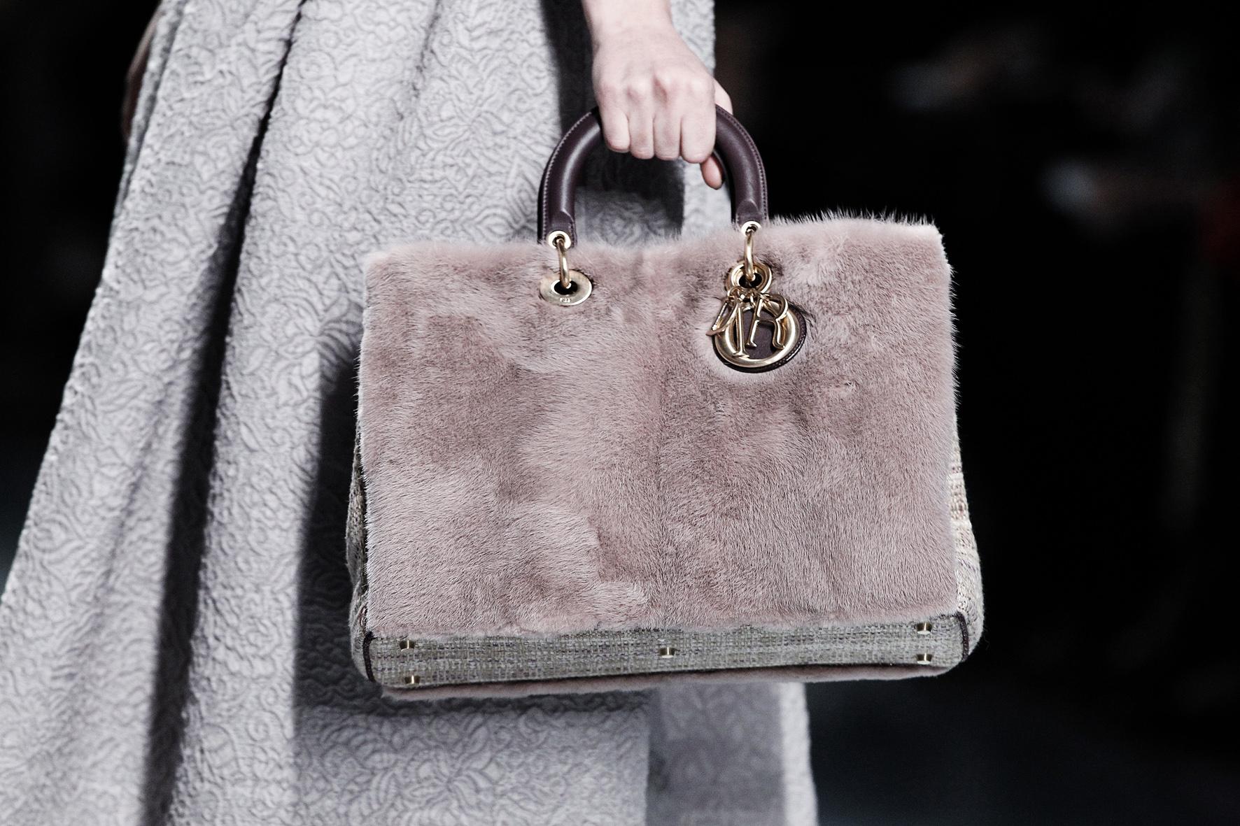Меховая сумка от Christian Dior