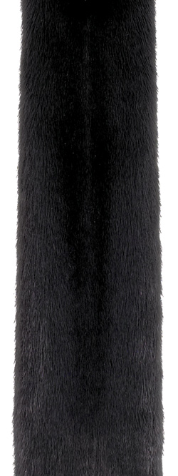 Натуральная черная норка сканблэк (scanblack). На североамериканских аукционах продается под брендами блэкглама (blackglama) и блэкнафа (blacknafa).