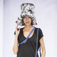 Москва 2013: шапки и шляпки для смелых