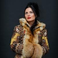 Пальто из платков и меха
