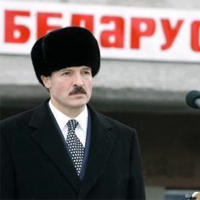 Лукашенко жалко белорусских шкур