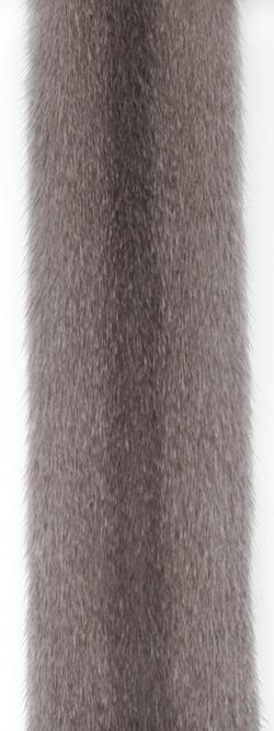 Серебристо-голубая норка (silverblue). Серая норка с легким коричневым оттенком.