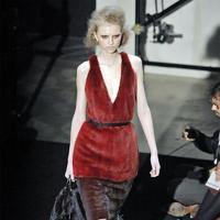 Снимаем шубу — примеряем платье