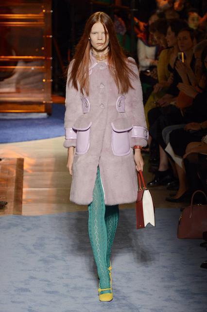 Пальто из крашенной норки от Miu Miu