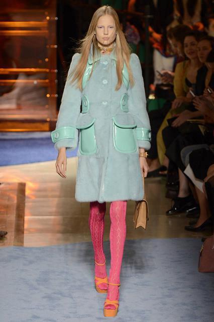 Норковое крашенное пальто от Miu Miu